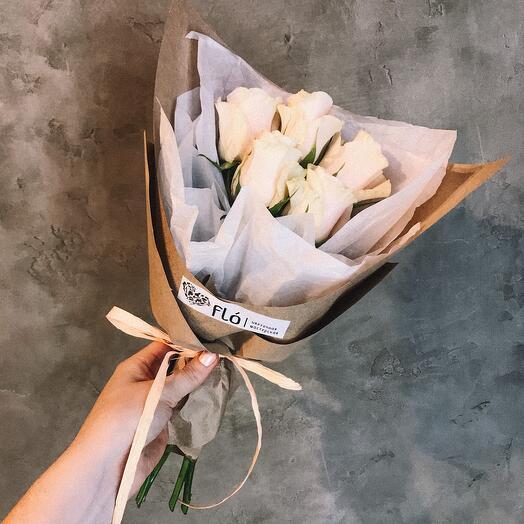 Букет из 5 роз Кения