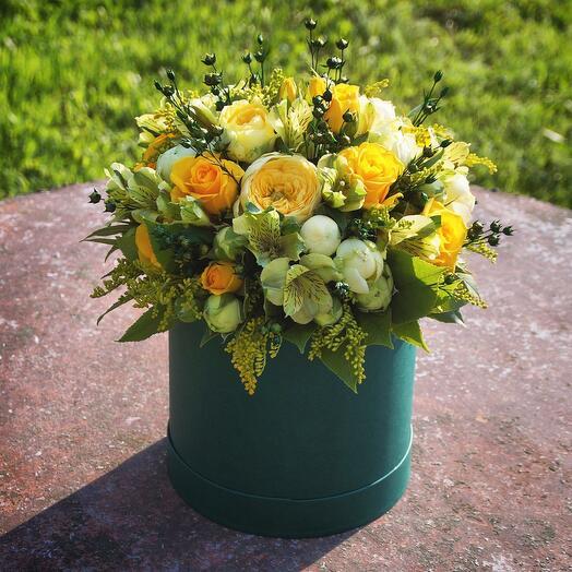 Цветы в коробке Luxury Flowers Изумруд