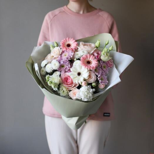 Средний букет цветов «Lantea»
