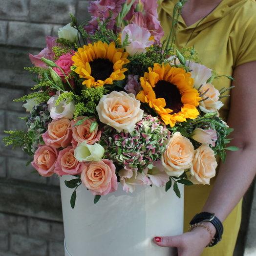 Коробка Кремовая пудра: букеты цветов на заказ Flowwow