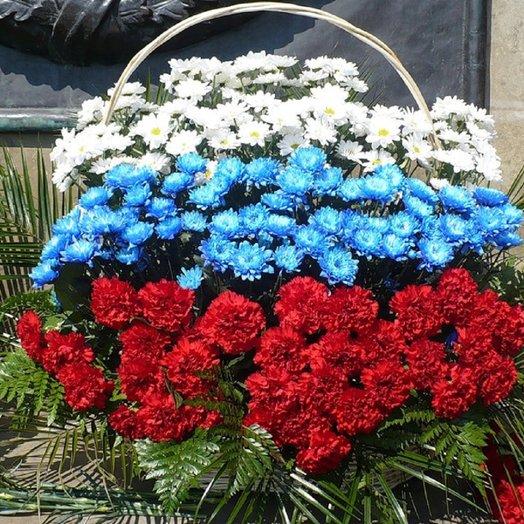 "Ко дню Победы, корзина ""Флаг"": букеты цветов на заказ Flowwow"