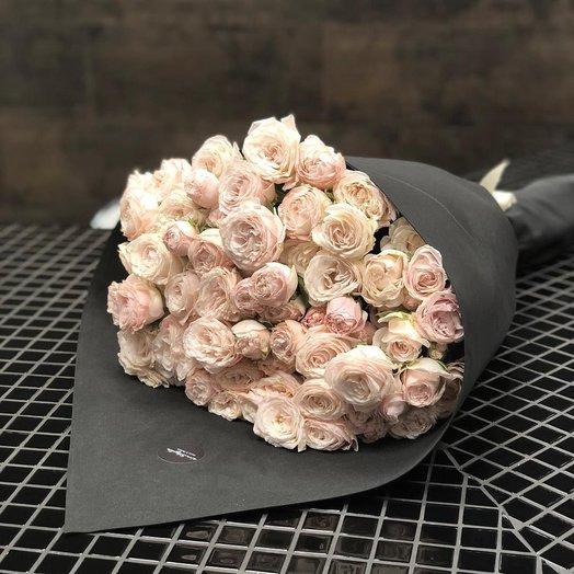 Букет кустовых роз Яна 19 шт