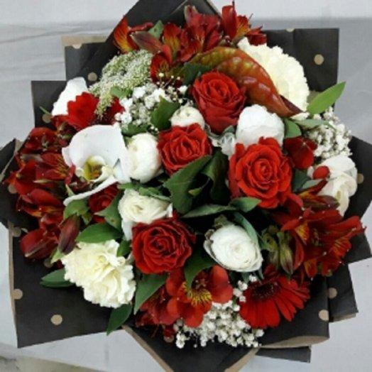 Букет рубиновый: букеты цветов на заказ Flowwow