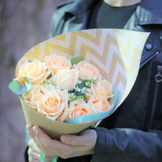 9 роз в крафте: букеты цветов на заказ Flowwow