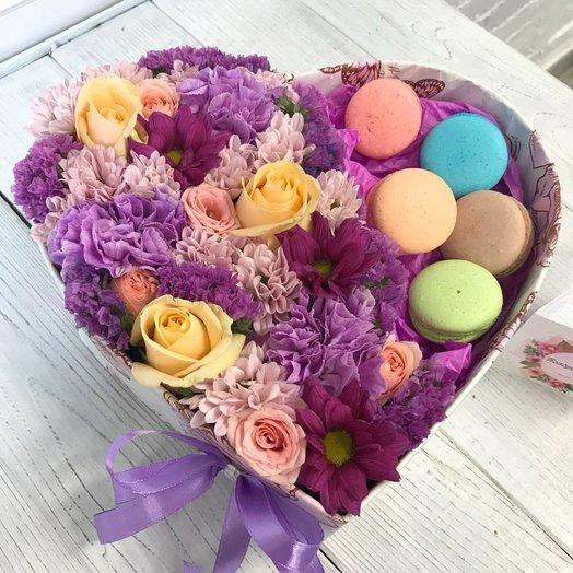 Коробка с макарунами 1: букеты цветов на заказ Flowwow