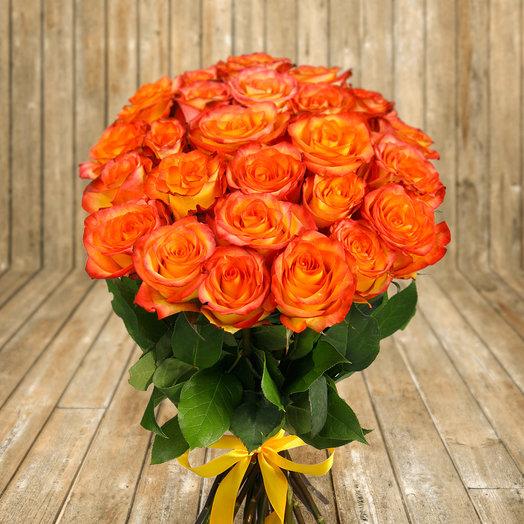 Букет из 25 оранжевых роз Хайт Интенз