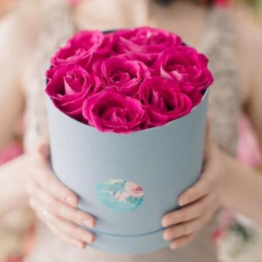 7 роз в шляпной коробке: букеты цветов на заказ Flowwow