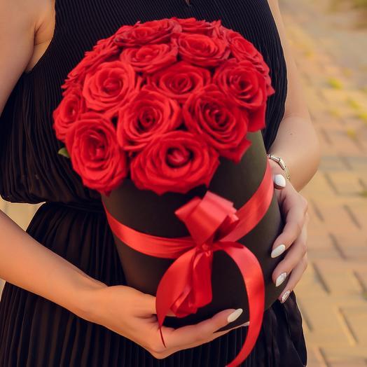 15 красных роз в шляпной коробке: букеты цветов на заказ Flowwow