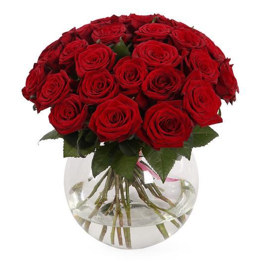 """Букет из 31 розы в вазе """"За стеклом"""": букеты цветов на заказ Flowwow"""