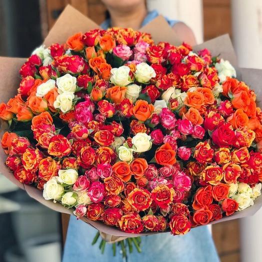 Букет из 49 кустовых роз: букеты цветов на заказ Flowwow