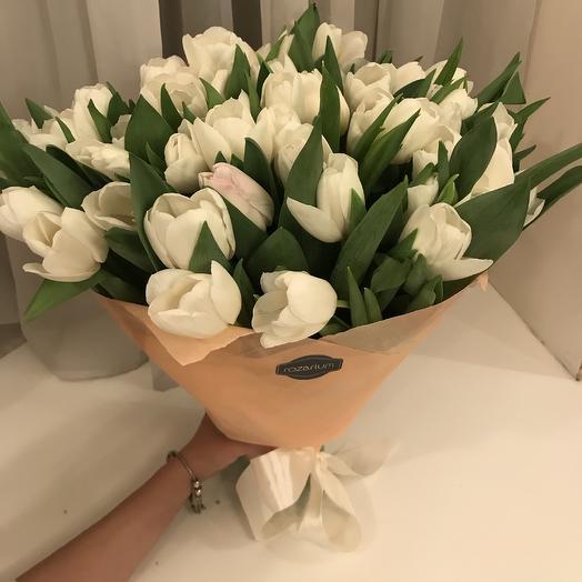 50 белых тюльпанов: букеты цветов на заказ Flowwow