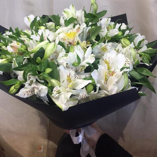 Белые в черном: букеты цветов на заказ Flowwow