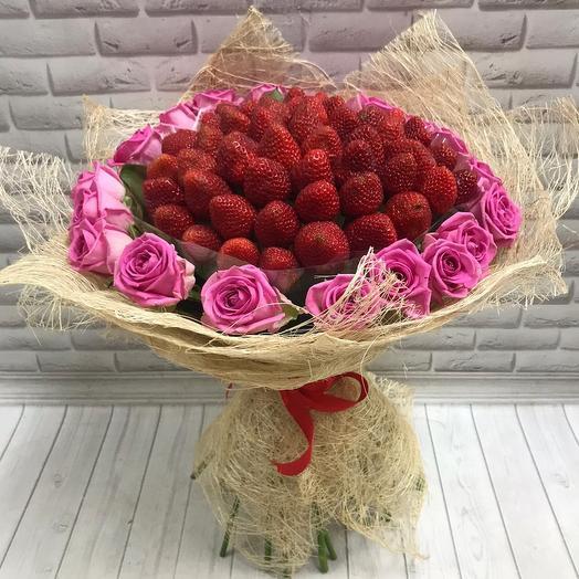 Клубника с розой аква