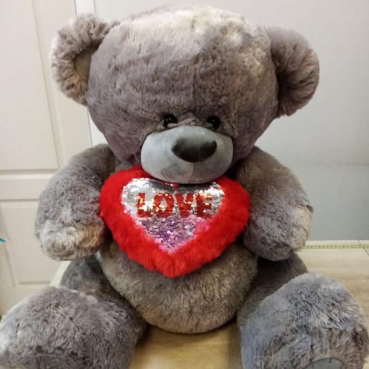 Влюблённый медведь