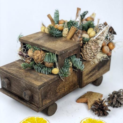 Съедобный ореховый мужской бывает в деревянной коробке