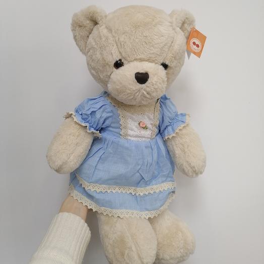 Медвежонок в голубом платье