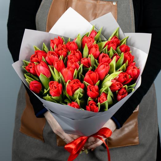 Букет из 35 тюльпанов Ларго