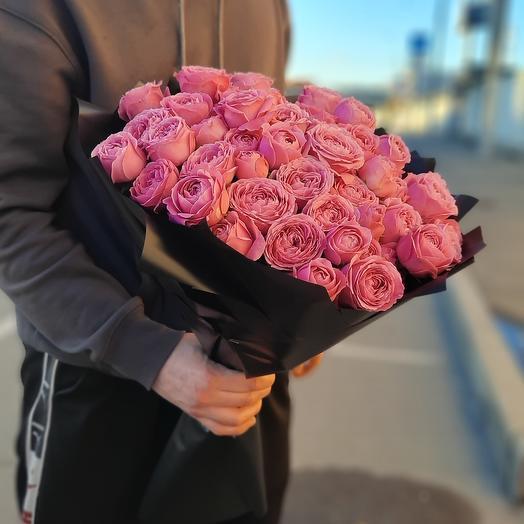 букет из пиона видные роз