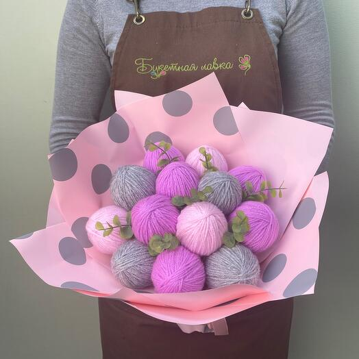 Bouquet of yarn and artificial greenery