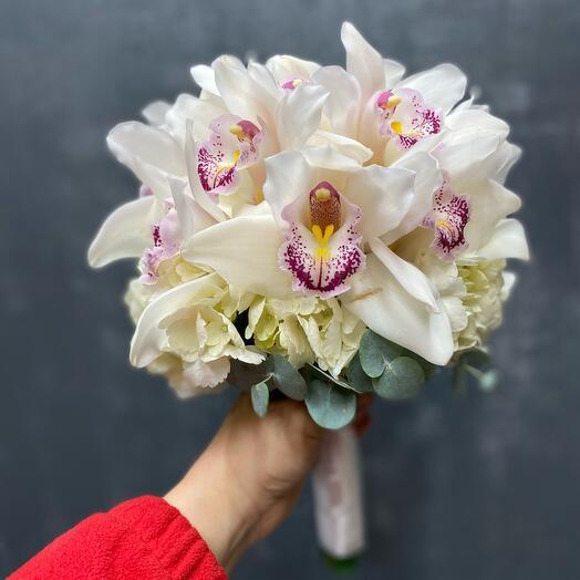 Свадебный букет из Орхидеи и гортензии