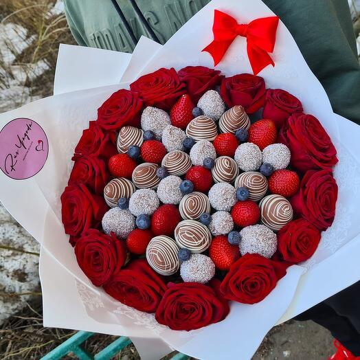 """Букет""""Розы на снегу"""""""
