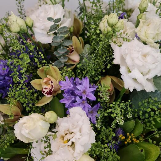 Цветы в коробке в XL размере