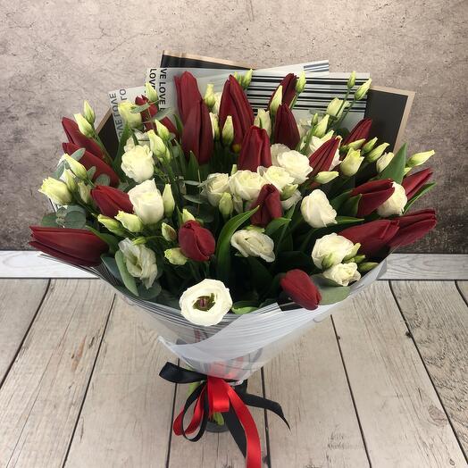Букет из 21 красного тюльпана