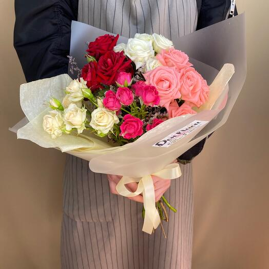 Букет из цветов «Кустовая Роза»