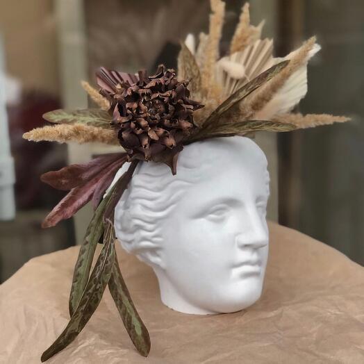 Кашпо Венера с сухоцветами