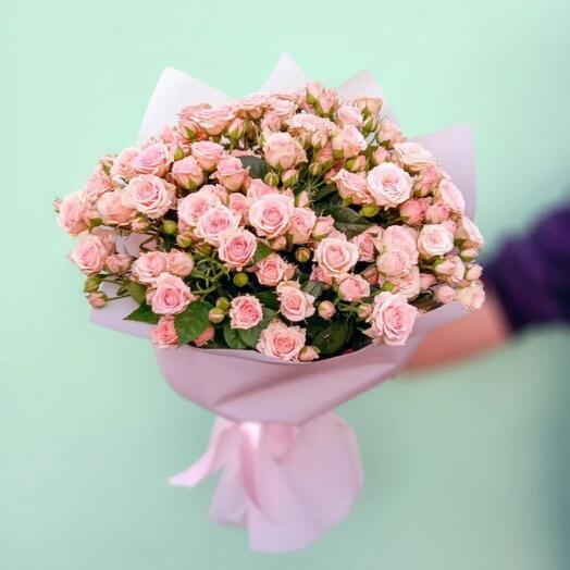 19 нежно розовых кустовых роз