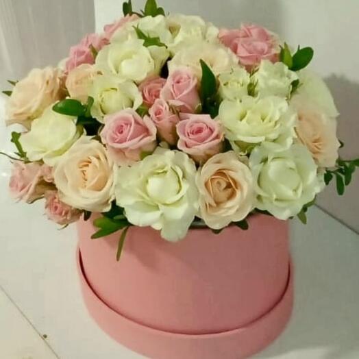 Нежная композиция с кустовыми розами