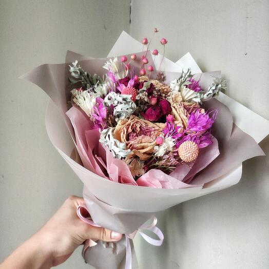 Сухоцветы в розовом