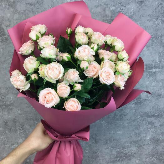 Monobucket made of bush roses