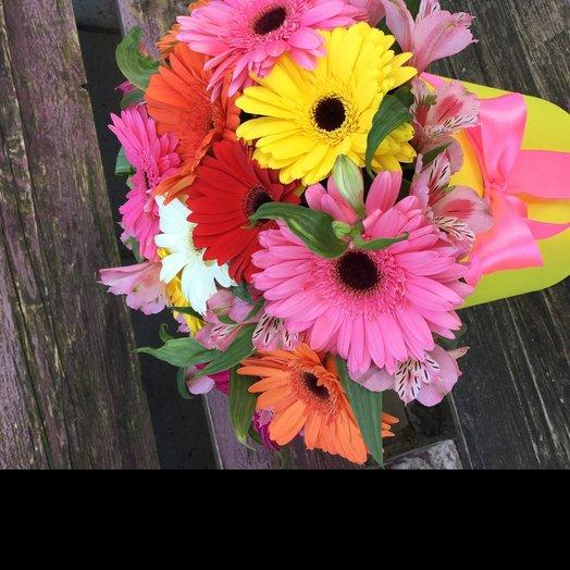 Коробочка из ярких гербер: букеты цветов на заказ Flowwow