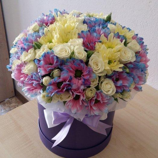 Хризантемы и розы в шляпной коробке: букеты цветов на заказ Flowwow