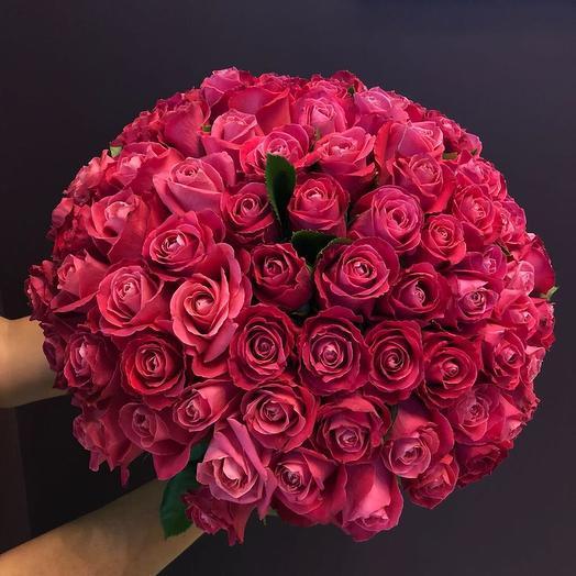 101 малиновая роза: букеты цветов на заказ Flowwow