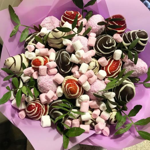 Клубничный букет «Мюнхен»: букеты цветов на заказ Flowwow