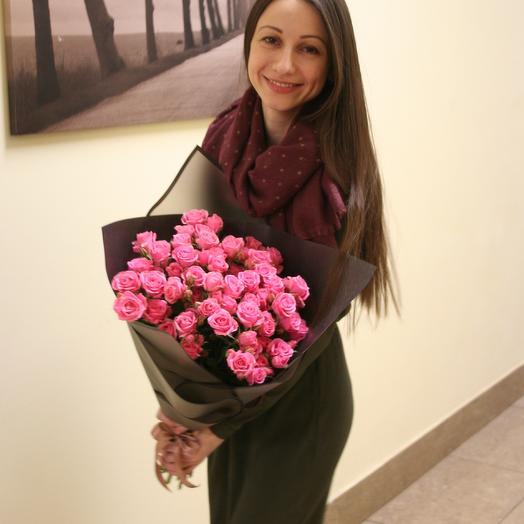Кустовые розы глубокого розового цвета 15 штук: букеты цветов на заказ Flowwow