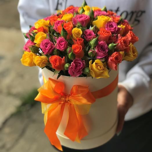 Коробки с цветами. Кустовые розы. Микс. N462: букеты цветов на заказ Flowwow
