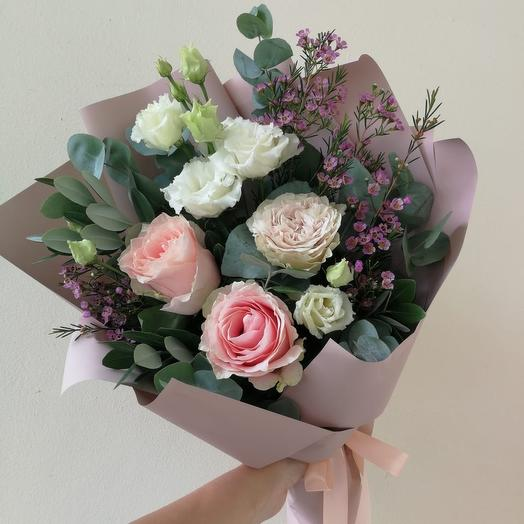 Букет с розой и эустомой: букеты цветов на заказ Flowwow
