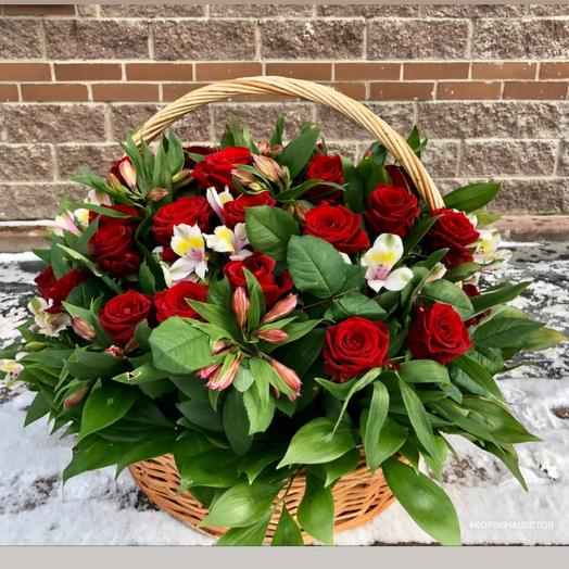 Red rose basket 35 roses