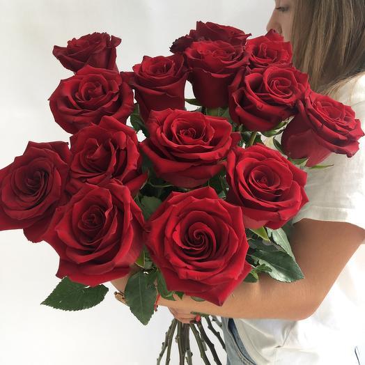Букет красных роз 15шт