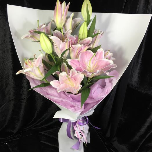 Букет из 5 розовых лилий