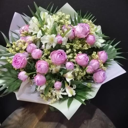 Букет из пионовидной розы и альстромерии
