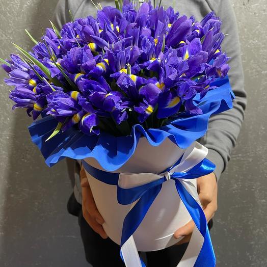 Синяя композиция цветов