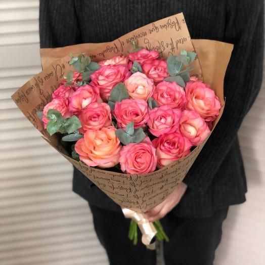 Букет с розами 19 шт