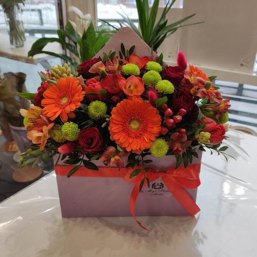 Яркое цветочное послание с герберами