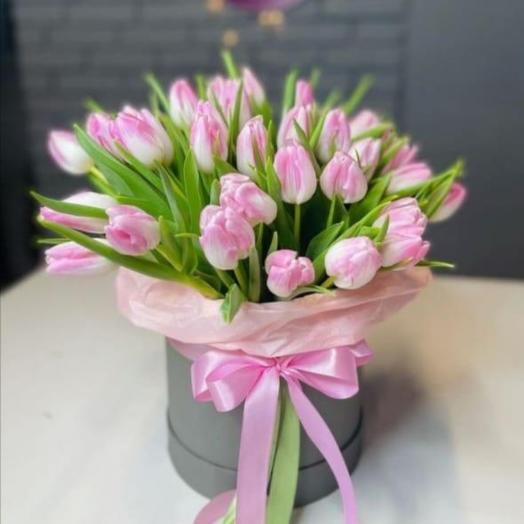 Коробка с тюльпанамы на 8 марта