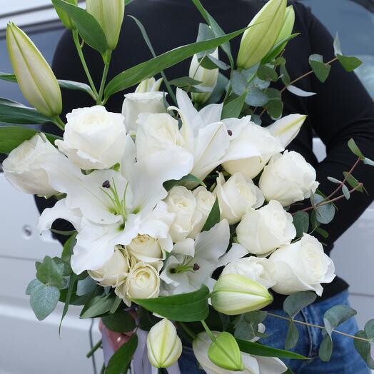 Букет с лилией и розой