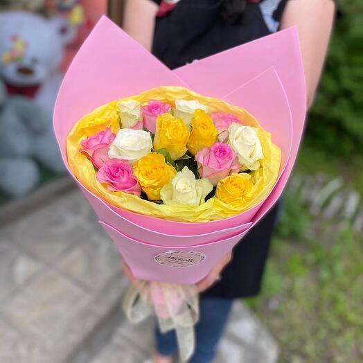 Микс яркий из роз